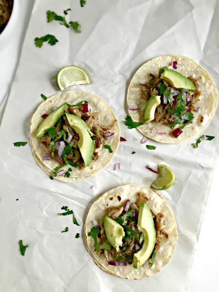 Mexican-Slow-Cooker-Pork-Carnitas-Tacos-3-e1447293536315